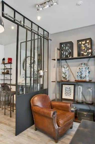 Merveilleux Decoration Interieure Rideaux Salon #5: une-verriere-interieure-dans-un-salon-deco-industrielle.jpg