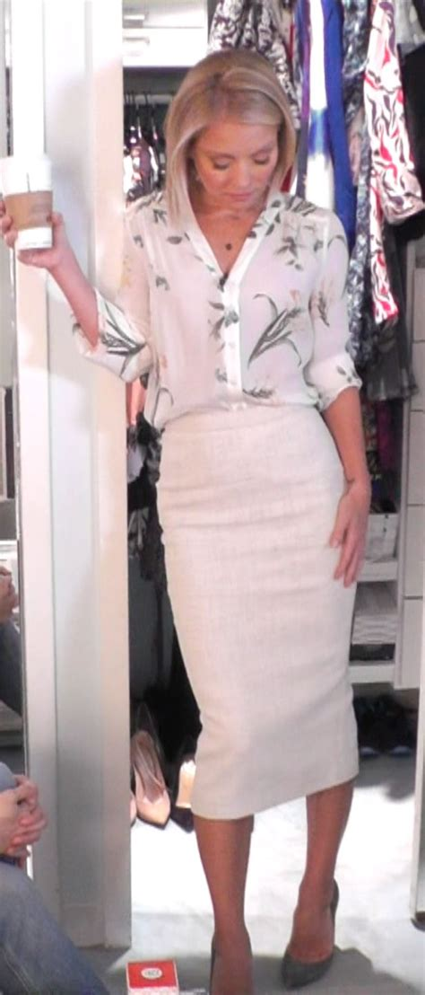 kelly ripa fashion finder kelly ripa in a joie top from neimanmarcus and alc pencil