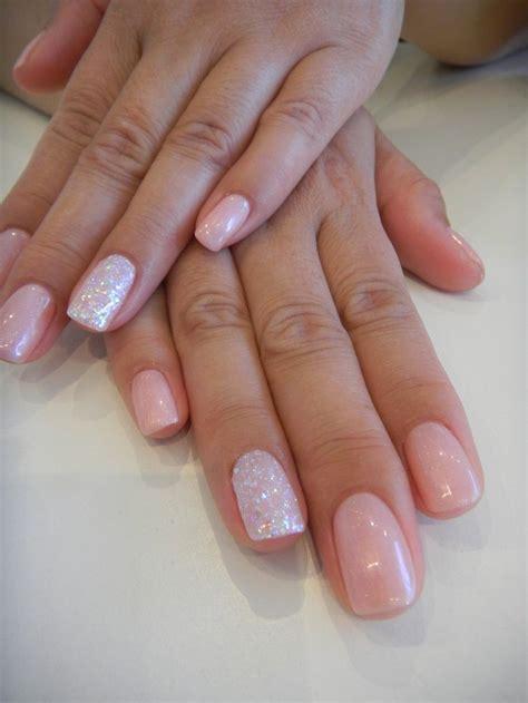 popular nail colors one finger a different color de 25 bedste id 233 er om pink gel nails p 229 pinterest gelenegle