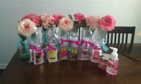 bridal shower gift basket prize ideas bridal shower centerpieces and prizes bridal