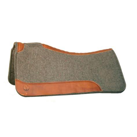 circle  felt saddle pad black pad walnut wear leather