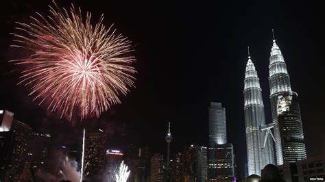 new year greetings malaysia world welcomes 2014 in pictures news