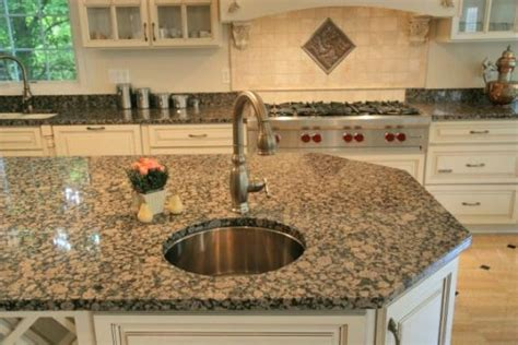 25 best ideas about brown granite on brown granite brown kitchen tile