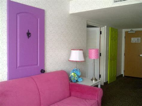 disneyland hotel 1 bedroom suite quot two bedroom suite quot picture of holiday inn hotel