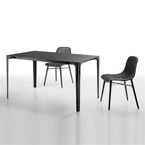 tavoli in corian mat tavolo allungabile infiniti in alluminio piano in