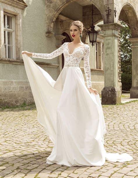 summer style lace long sleeve wedding dresses   neck
