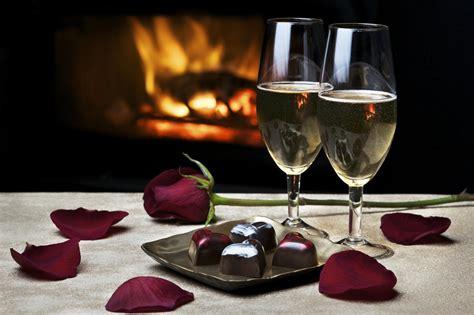 romantic dinner 11 romantic cities to rediscover your valentine
