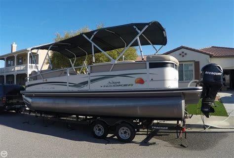 sun tracker pontoon for sale 2011 used sun tracker party barge 22 sport fish regency