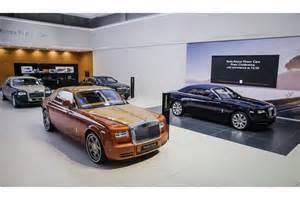 Rolls Royce Phantom Motor Dubai Motor Show Rolls Royce Unveils Phantom Coupe Tiger