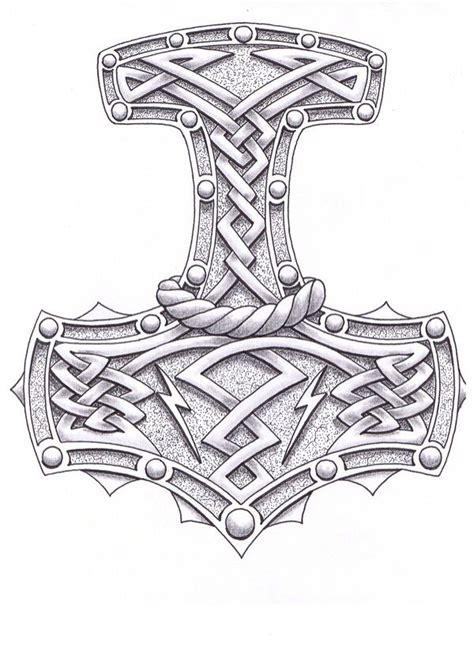 Die besten 25  Thors hammer tattoo Ideen auf Pinterest   Thor Hammer Tätowierung, Thors hammer