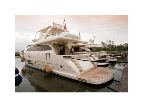 barche cabinate usate leonard 66 in italia imbarcazioni cabinate usate 97101