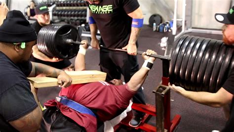 1000 pound bench 920 pound bench press youtube