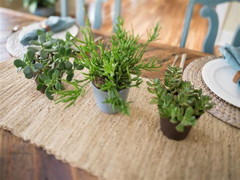 Dining Table Plants Dining Room Pictures From Cabin 2014 Diy Network Cabin 2014 Diy