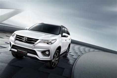 Front Grille Trd Sportivo All New Hilux new toyota fortuner trd sportivo is a hilux suv with attitude autoevolution