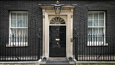 10 downing front door ge 10 the nightmare begins in suits
