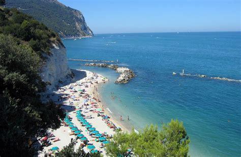 italia ancona ancona italia playas de italia las mejores playas