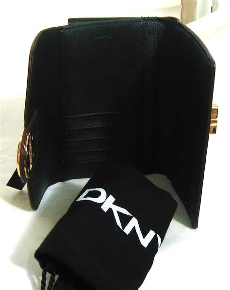Ready Sale Fossil Emerson Trifold Wallet Black Leather Original boutique malaysia dkny turnlock womens leather wallet