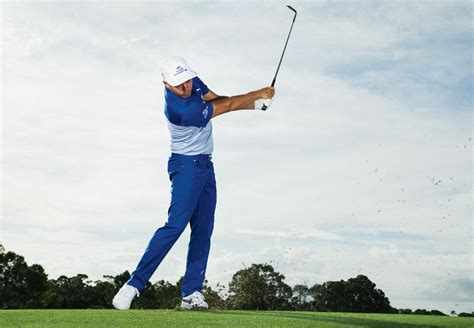 golf wedge swing rickie fowler how to hit wedges close from any distance
