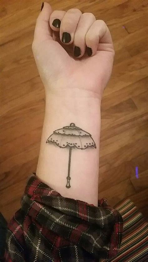 umbrella tattoo pinterest dainty umbrella tattoo dainty umbrella tats tattoo