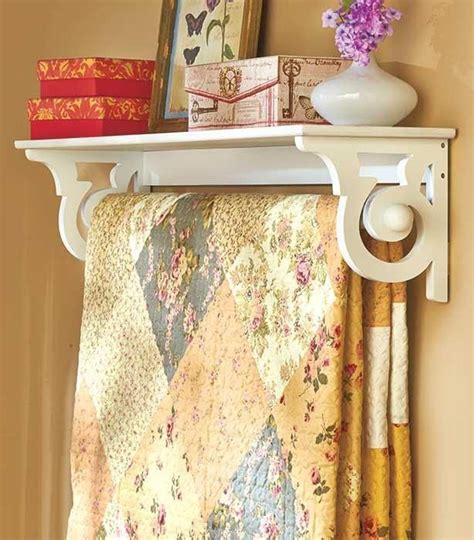 Hanging Quilt Rack With Shelf by Best 25 Quilt Racks Ideas On Farmhouse Quilts