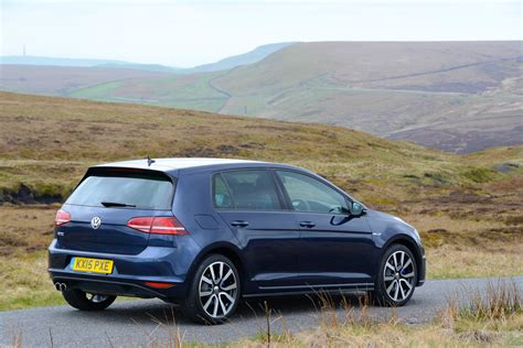 Volkswagen Golf GTE Review GreenCarGuide.co.uk