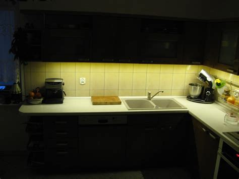 Led Lights Under Kitchen Cabinets by