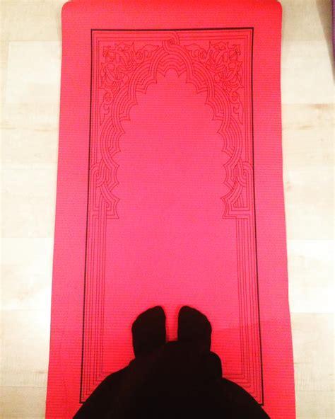 padded rugs the hasibah padded prayer mat the prayer mat company