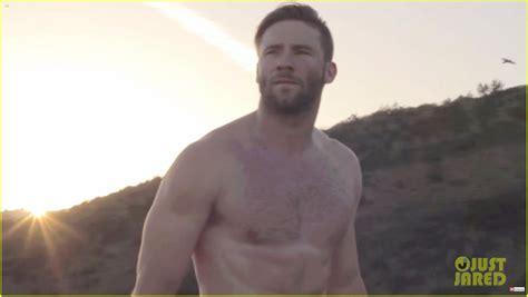 julian edelman tattoo julian edelman does a shirtless workout with jimmy