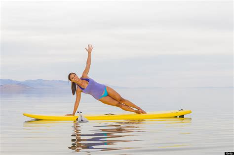 paddle boat yoga 10 reasons you should try yoga on a stand up paddleboard