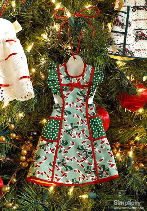 christmas tree apron pattern craft these festive miniature apron ornaments for the