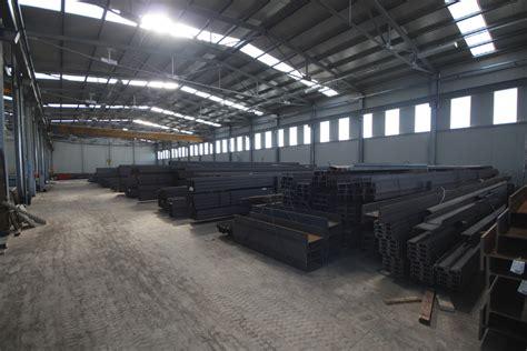 costruzione capannoni in ferro capannoni in acciaio ferro e prefabbricati metallici