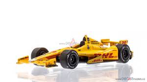 Pics photos ryan hunter reay card and diecast car 1 64 scale 2012