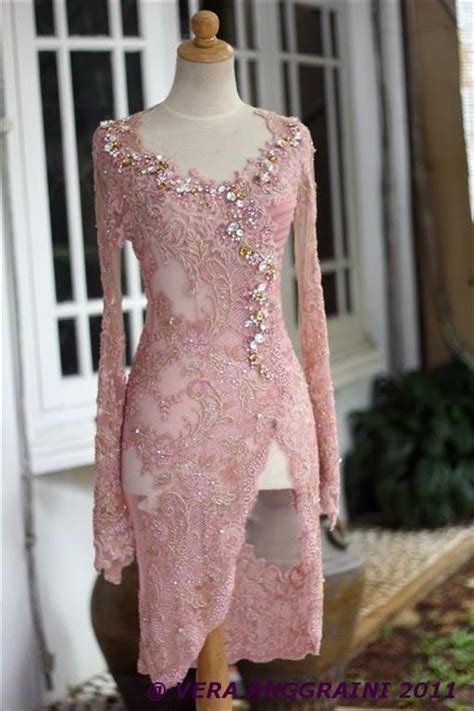 New Kebaya Setelan Brukat Modern Terkini gaun batik avantie newhairstylesformen2014