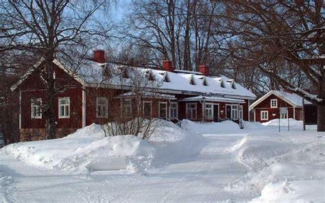 Big Cottage by Big Cottage Mustion Linna