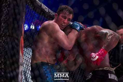 Rage Vs Chael Sonnen Chael Sonnen Rage Jackson A Guaranteed 300k At Bellator 192 Mma Fighting
