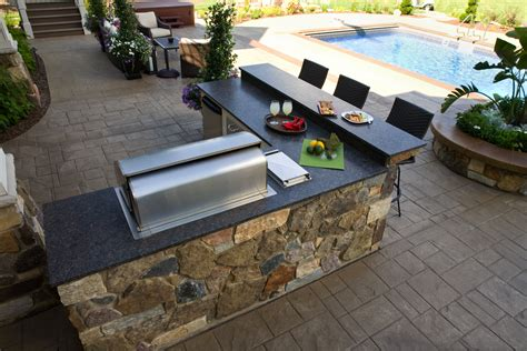Southview Design: Outdoor Living   Outdoor Kitchen or Not?