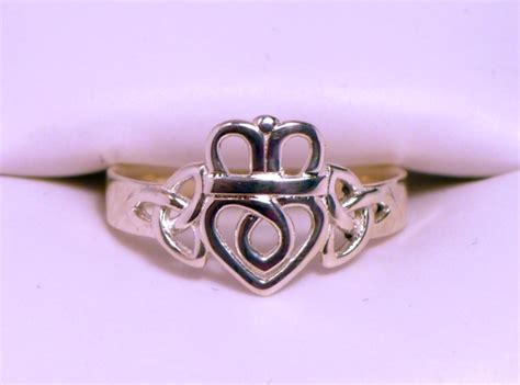 claddagh ring designs d o celtic jewelry