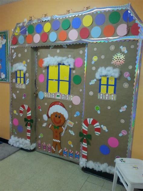 gingrbread house on school door gingerbread house classroom door i did this gingerbread houses classroom and house