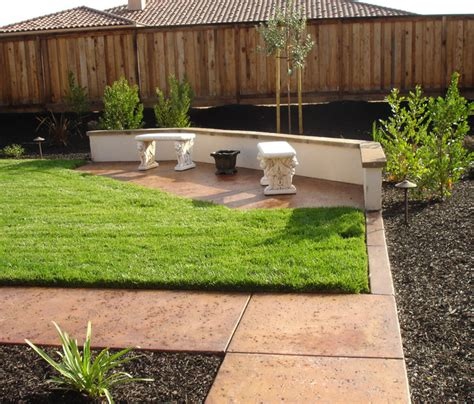 Backyard For Family Entertaining Traditional Landscape River City Landscaping