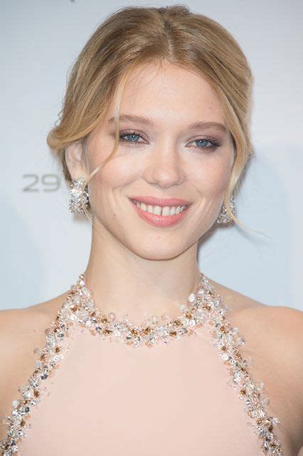 lea seydoux makeup spectre the real reason you should see bond this weekend l 233 a
