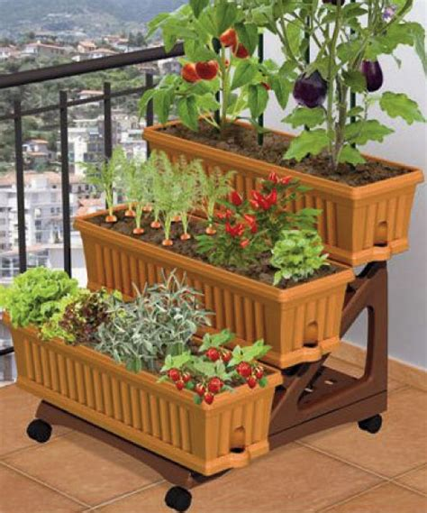 Balcony Garden Planters by Apartment Patio Gardens On Apartment Garden