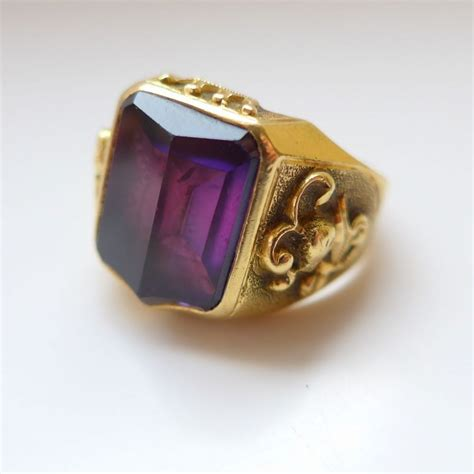 substantial mens 18ct heavy gold sapphire ring