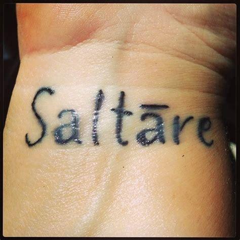 tattoo en latin 50 tatouages de phrases des mots ou texte en latin