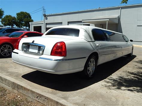 manual cars for sale 2010 lincoln town car free book repair manuals used 2010 lincoln town car executive l for sale ws 10526 we sell limos