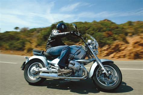 bmw r1200c review ride 2004 bmw r1200c montauk visordown