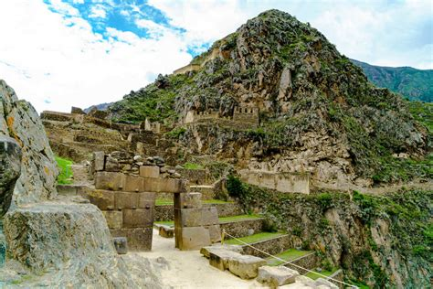 fodor s essential peru with machu picchu the inca trail color travel guide books essential peru lima sacred valley machu picchu cusco