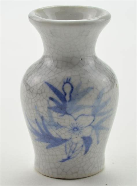 Crackle Vase by Mini Vase White Crackle Pattern With Floral Design 3 Quot
