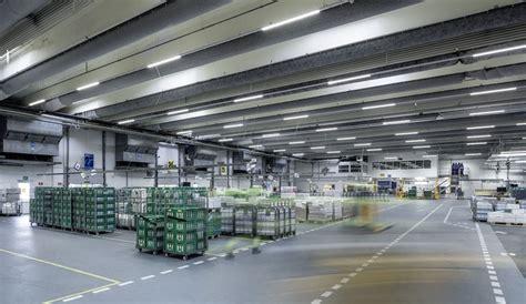 industriehallen lagerhallen hallenbeleuchtung trilux - Beleuchtung Lagerhalle