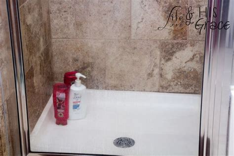 What Removes Soap Scum From Glass Shower Doors 1000 Ideas About Soap Scum Removal On Cleaning Recipes Cleaning Solutions