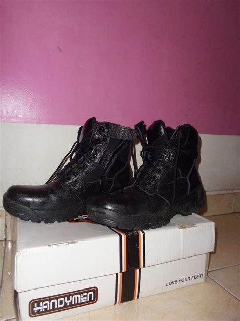 Sepatu Merk Handymen memilih sepatu untuk berkendara tempepenyetkeliling